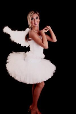 Костюм  ангела с крыльями  в аренду