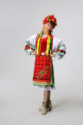Украинский  женский костюм в аренду