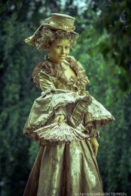 Живая скульптура. Дама 18 века