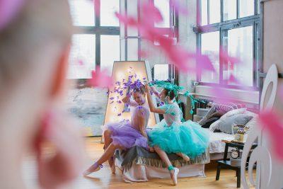 Балерина в изумрудном и сиреневом
