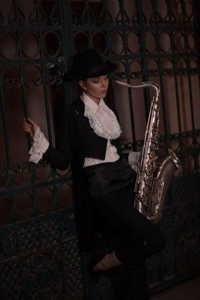 Девушка в стиле джаз